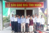 Nguyên Phó Bí thư Thường trực Tỉnh ủy tặng nhà tình nghĩa tại Tân Trụ