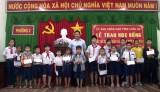 Lãnh đạo tỉnh Long An tặng quà hộ nghèo, học sinh nghèo tại thị xã Kiến Tường