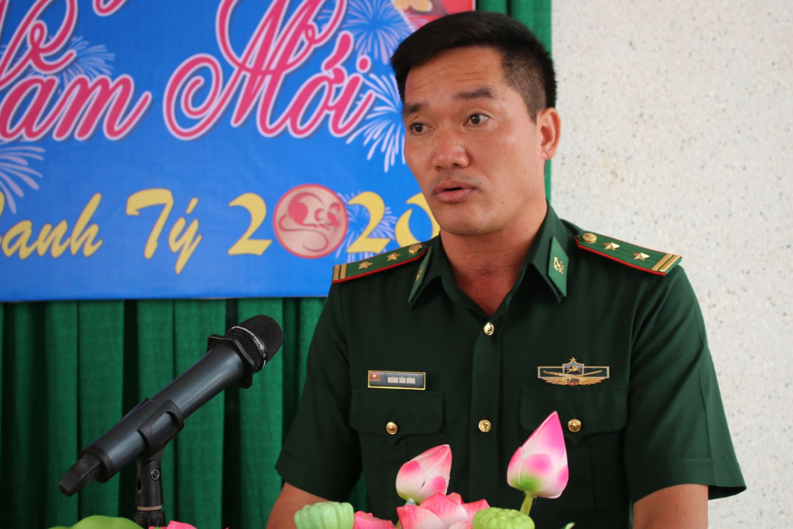 On behalf of the units, Lieutenant Colonel Hoang Van Dung – Member of Politburo Tuyen Binh Border Guard Station informs the results of the mission in 2019