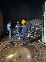 Một đêm xảy ra 2 vụ cháy bãi phế liệu