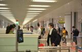 Ngày 21/3, có 3 chuyến bay đến từ vùng dịch về tới sân bay Nội Bài