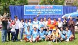 Dùng bóng đá để giáo dục thanh thiếu niên