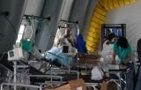 Dịch COVID-19: Mỹ dự phòng thêm 110.000 máy thở trong vài tuần tới