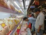 San Hà cung cấp nhu yếu phẩm, thịt gà tươi với giá ưu đãi, phục vụ thị trường trong mùa dịch