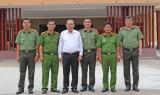 Phó Thủ tướng Trương Hòa Bình thăm và làm việc tại Công an tỉnh Long An