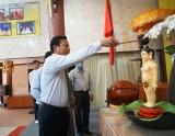 Phó Chủ tịch UBND tỉnh Long An-Phạm Tấn Hòa chúc mừng Đại lễ Phật đản