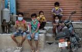 WB cảnh báo COVID-19 sẽ đẩy 60 triệu người vào cảnh nghèo đói cùng cực
