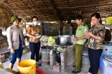 Tân Hưng: Kiểm tra 19 cơ sở sản xuất và kinh doanh rượu