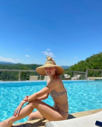 Cựu tay vợt số 1 thế giới Caroline Wozniacki diện bikini nóng bỏng