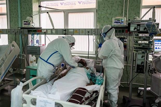 Bệnh nhân nhiễm COVID-19 điều trị tại bệnh viện ở Moskva, Nga. (Nguồn: AFP/TTXVN)