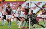 Sai sót chưa từng có của goal-line trong ngày Premier League trở lại