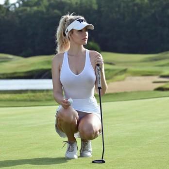 """Ngắm nữ golf thủ xinh đẹp đang gây """"bão"""" cho người hâm mộ"""