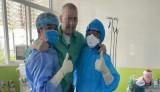 Việt Nam sẽ cử ê-kíp y bác sĩ đưa phi công người Anh về nước