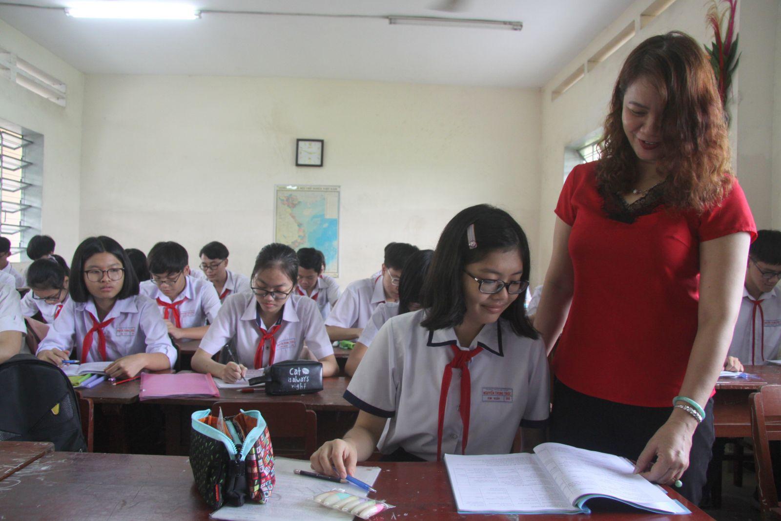 Giáo viên quan tâm, theo sát quá trình ôn tập của học sinh