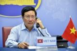 Phó Thủ tướng Phạm Bình Minh điện đàm với Bộ trưởng Ngoại giao Anh