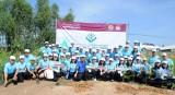 Agribank ra quân Chiến dịch tình nguyện trồng cây xanh và trao tặng nhà tình nghĩa