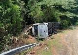 Vụ lật xe ở Phong Nha - Kẻ Bàng: Khẩn trương cứu chữa người bị nạn