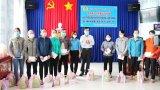 LĐLĐ tỉnh Long An tặng quà đoàn viên, người lao động bị ảnh hưởng bởi Covid-19