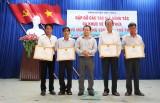 Thủ Thừa: Khen thưởng đột xuất 8 cá nhân xuất sắc trong hoạt động Văn hóa văn nghệ - Thể dục thể thao