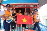 """Cảnh sát biển Việt Nam kiên quyết nói không với những """"viên đạn bọc đường"""""""