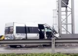 Ô tô 16 chỗ va chạm xe khách trên cao tốc TP.HCM - Trung Lương