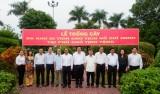 Lãnh đạo tỉnh Long An trồng cây được mang từ Khu di tích Chủ tịch Hồ Chí Minh tại Phủ Chủ tịch