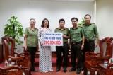 Công an tỉnh Long An trao 200 triệu đồng ủng hộ đồng bào miền Trung