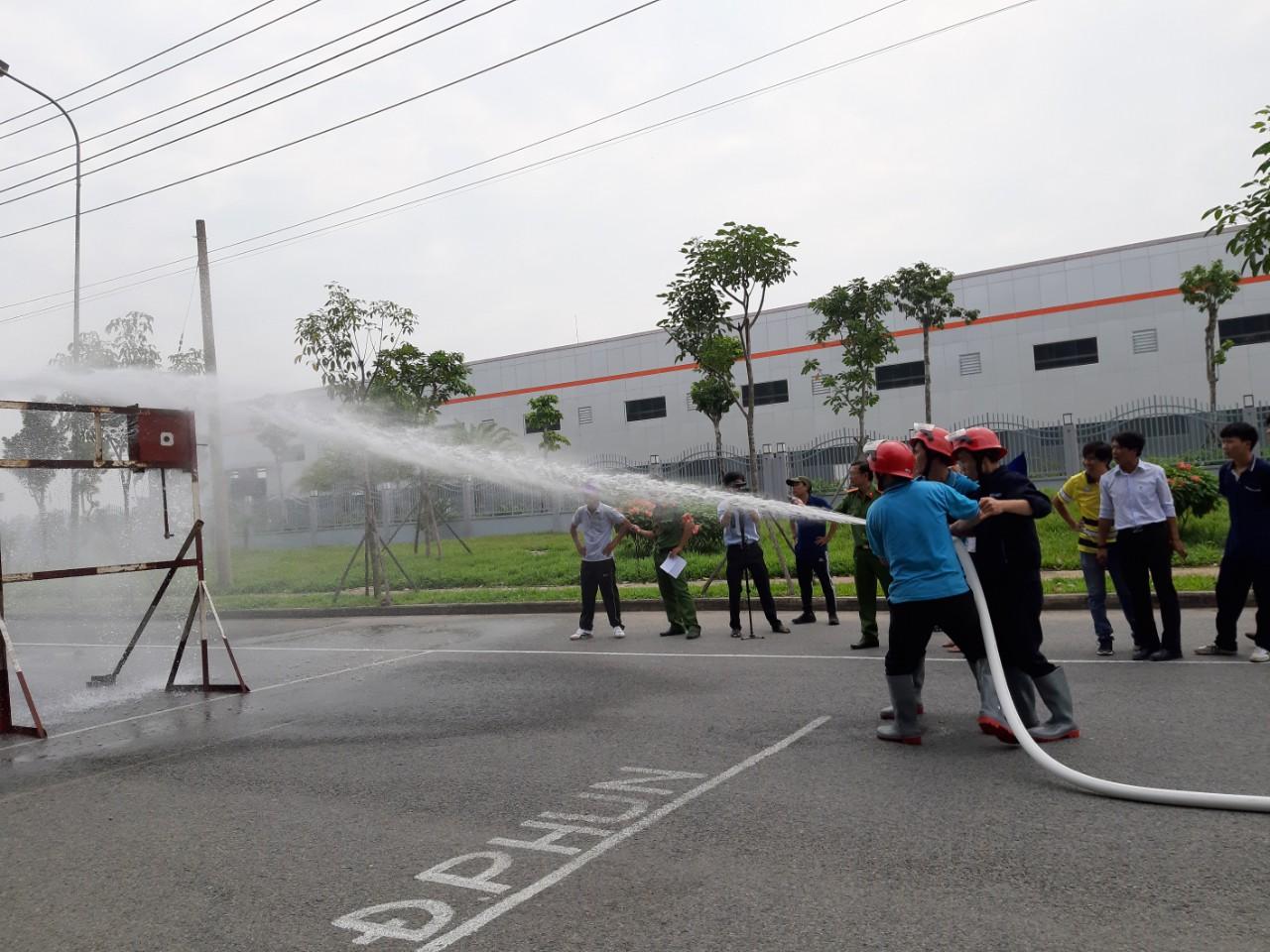 Tập huấn về phòng cháy, chữa cháy cho lực lượng cơ sở