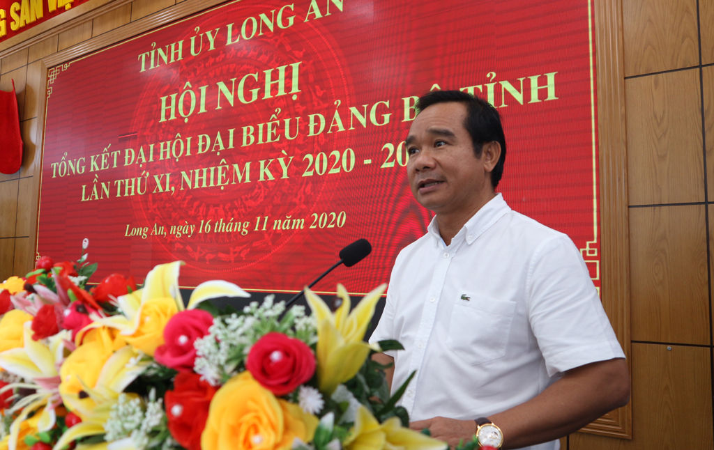 Secretary of the Provincial Party Committee - Nguyen Van Duoc speaks to direct at the conference