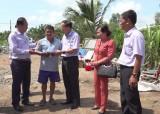 Đại biểu quốc hội  tỉnh Long An thăm, tặng quà cho gia đình nạn nhân bị ảnh hưởng thiên tai tại huyện Tân Hưng