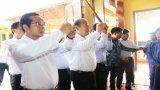 Phó Thủ tướng Thường trực Chính phủ - Trương Hòa Bình dâng hương tưởng niệm nhạc sư Nguyễn Quang Đại