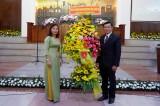 Phó Chủ tịch UBMTTQVN tỉnh Long An – Lê Thị Cẩm Tú chúc mừng Giáng sinh tại Chi hội Tin lành Tân An