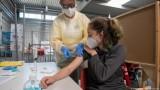 Lo ngại biến chủng mới, nhiều nước điều chỉnh kế hoạch tiêm vaccine Covid-19