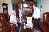 Hội Cựu chiến binh tỉnh Long An tặng quà tết tại Thủ Thừa