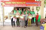 Công ty Kachi-H đã đến trao 100 phần quà tết cho 100 hộ nghèo, có hoàn cảnh khó khăn