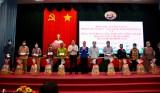 Chủ tịch UBND tỉnh Long An tặng quà tết cho gia đình chính sách, hộ nghèo