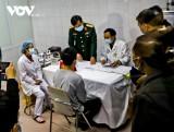 Việt Nam vẫn đang chờ vaccine COVID-19