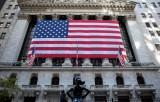 Fed cảnh báo rủi ro với kinh tế Mỹ dù có hy vọng về vắcxin COVID-19