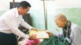Trao Kỷ niệm chương vì sự nghiệp nội chính Đảng cho đồng chí Nguyễn Văn Chiểu