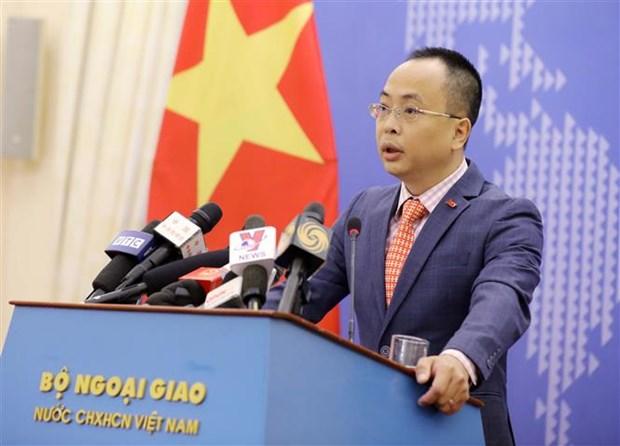 Chiều 29/4/2021, tại Hà Nội, Phó Phát ngôn Bộ Ngoại giao Đoàn Khắc Việt chủ trì Họp báo thường kỳ Bộ Ngoại giao tháng 4 năm 2021. (Ảnh: Văn Điệp/TTXVN)