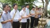Phó Bí thư Thường trực Tỉnh ủy thắp hương tưởng niệm liệt sĩ Tiểu đoàn 263