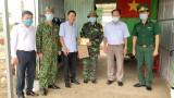 Trưởng ban Nội chính Tỉnh ủy Long An – Nguyễn Thành Vững thăm các chốt phòng, chống Covid-19