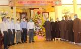 Bí thư Tỉnh ủy – Nguyễn Văn Được chúc mừng Đại lễ Phật đản