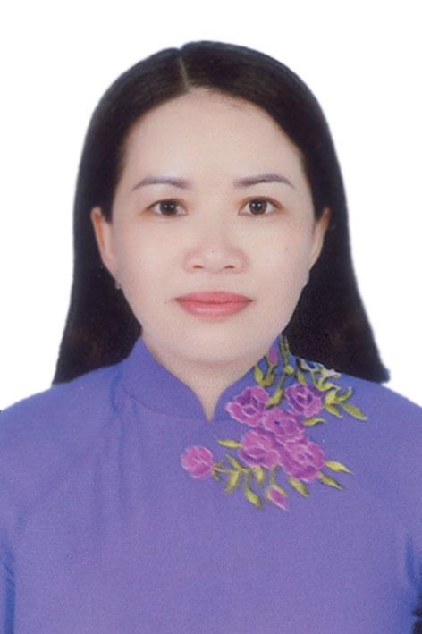 Bà Đinh Thị Phương Khanh