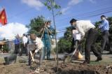 Cần Giuộc - Phát động trồng cây Đời đời nhớ ơn Bác Hồ