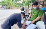 Bến Lức xử phạt 20 trường hợp không đeo khẩu trang và 1 cơ sở massage