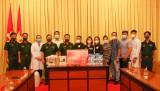 Hội thiện nguyện BĐS hỗ trợ Bộ Chỉ huy Quân sự tỉnh Long An thiết bị, vật tư y tế phòng, chống dịch Covid-19