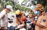TP.Tân An ra quân xử phạt không đeo khẩu trang khi tham gia giao thông