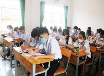 Bảo đảm an toàn cho học sinh lớp 12 đến trường trong mùa dịch