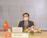 Chủ tịch Quốc hội Vương Đình Huệ điện đàm với Chủ tịch Quốc hội Campuchia